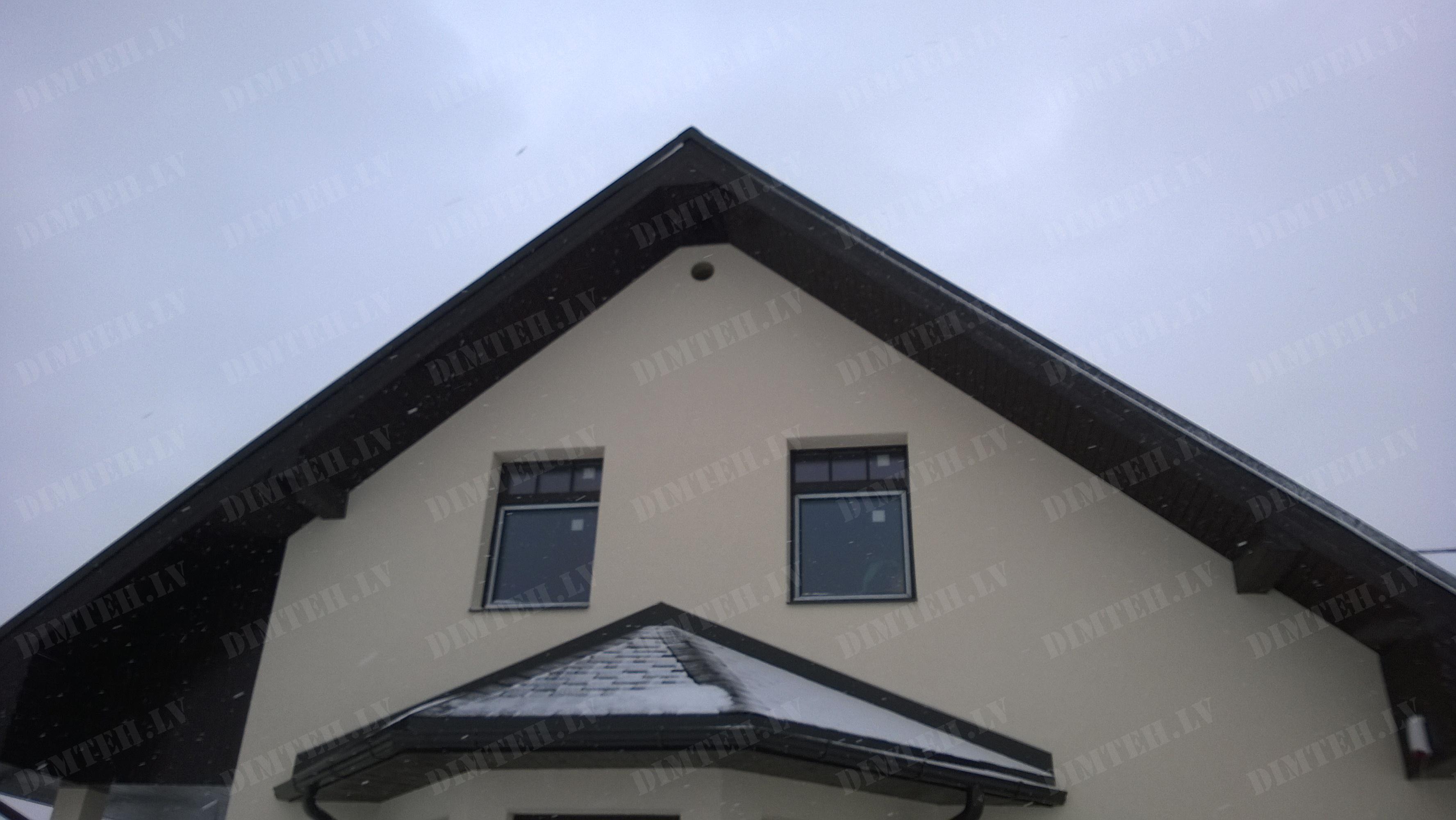 Caururumu urbsana ventilacijai fasade